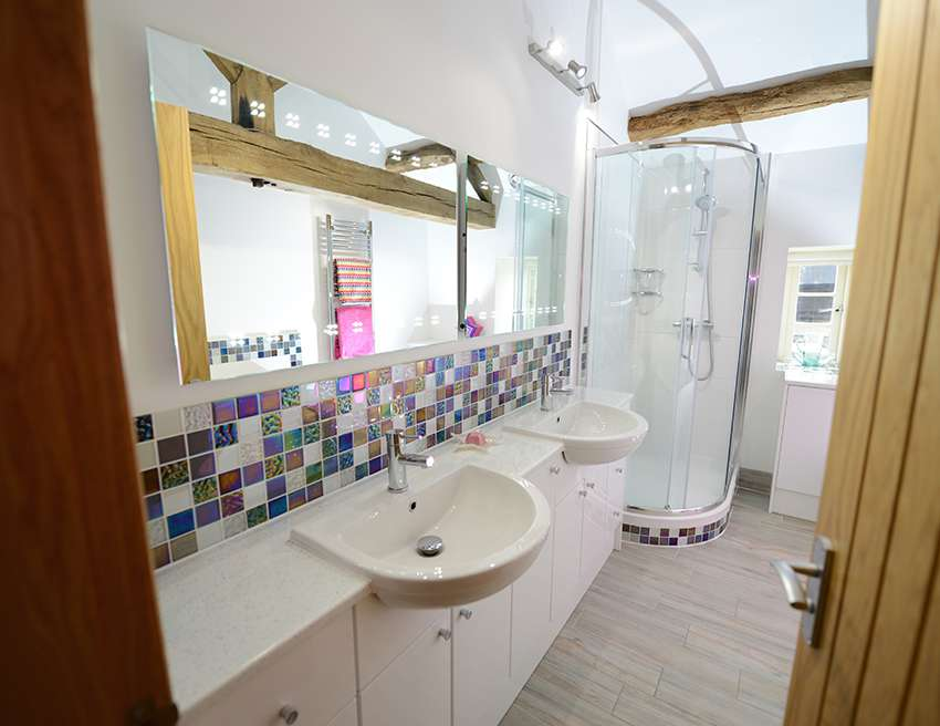 Lucy Finlay S Daughters Bathroom Spinks Interiors